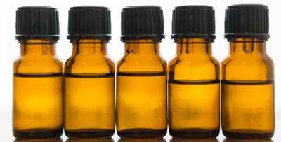 Flacons d'huile essentielle