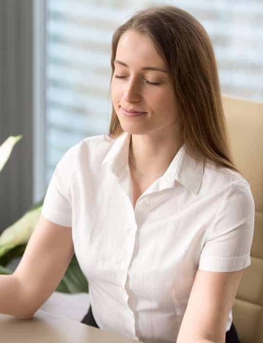 Apprenez un exercice de respiration en sophrologie pour mieux gérer votre stress