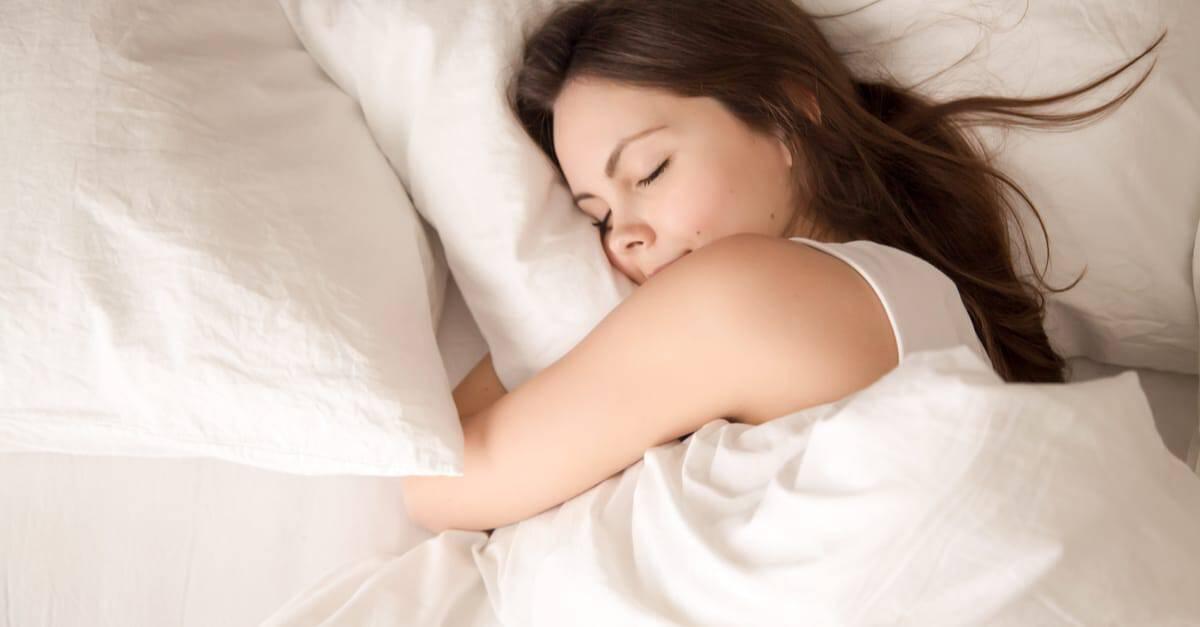 Mélatonine : sommeil, bienfaits, effets indésirables et alternatives